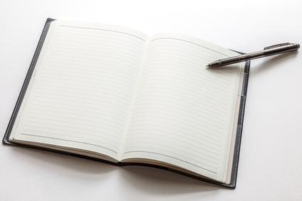 ペンと手帳